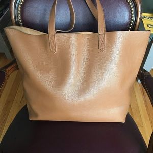 CUYANA Classic Pebbled Leather Tote Caramel